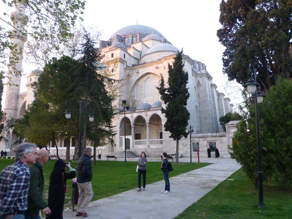 P1020742_MosqueDinner