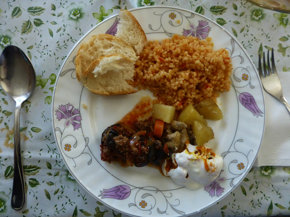 P1020924_lunch_950
