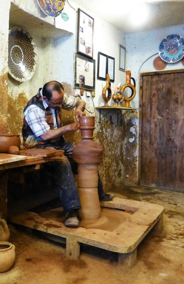 P1040158_potteryWheel_950h