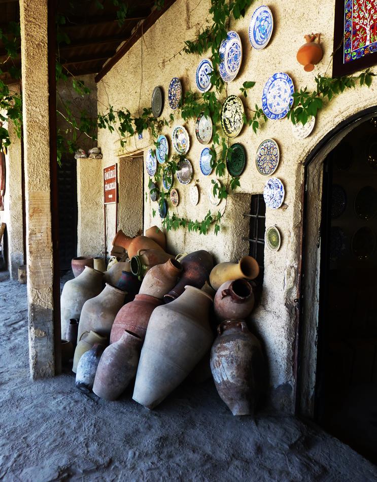 P1040183_pottery_743x950